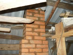 Вид на сужение сечения трубы перед выходом на крышу