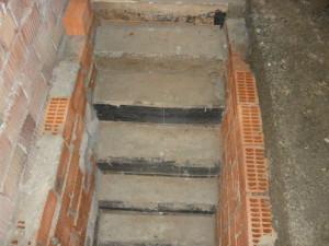 Готовая лестница, вид спереди.