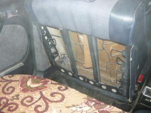 Вид на заднюю часть передних сидений