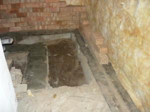 Вид на фундамент со стороны печки