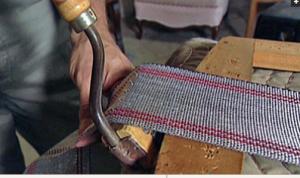 Натягивание ленты при помощи струбины