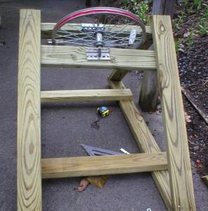Вид на закрепленые брусы для монтажа колеса