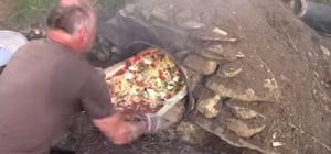 Закладка пиццы в печь